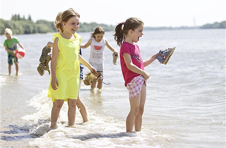 Játék…játék…játék …. mert boldog a gyerek, ha játszhat